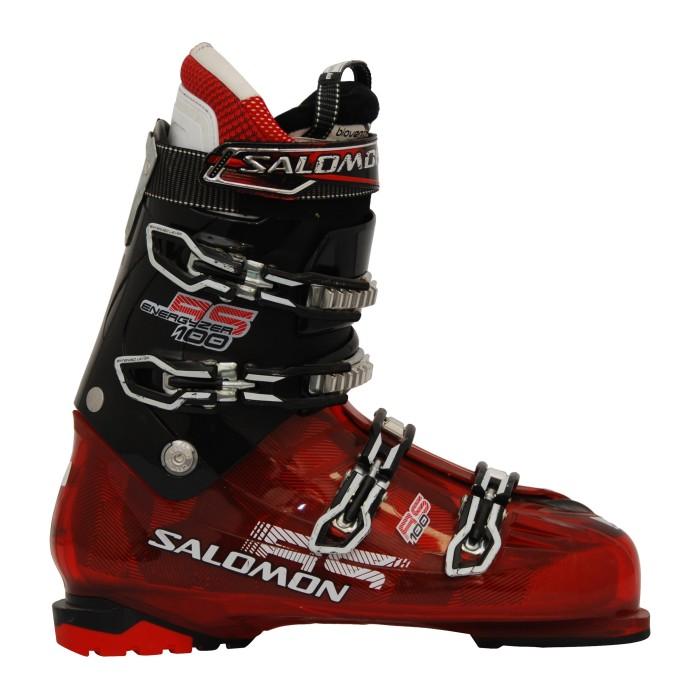 Der rote Skischuh Salomon