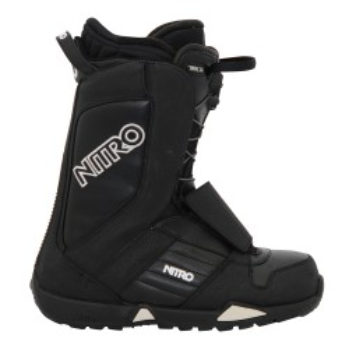 Schwarz und Weiß Nitro Snowboard Boots