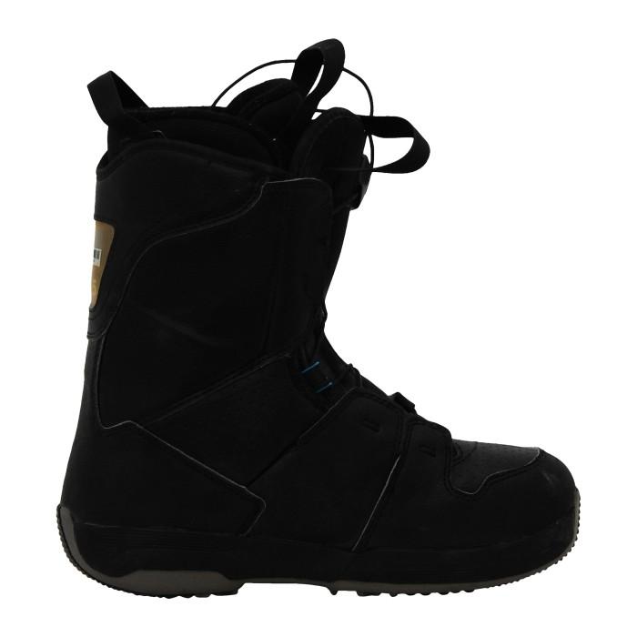 Boots used Salomon black kamooks