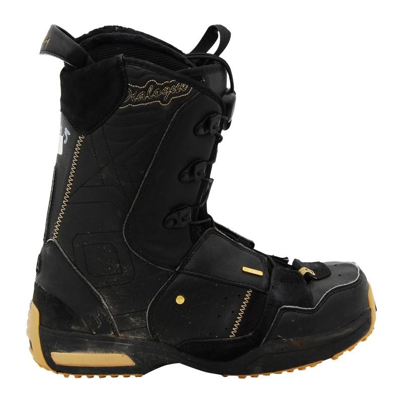 Las botas usaban el parche negro Salomon kamooks