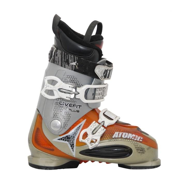 Las botas de esquí usadas en vivo atómicas se ajustan más gris naranja