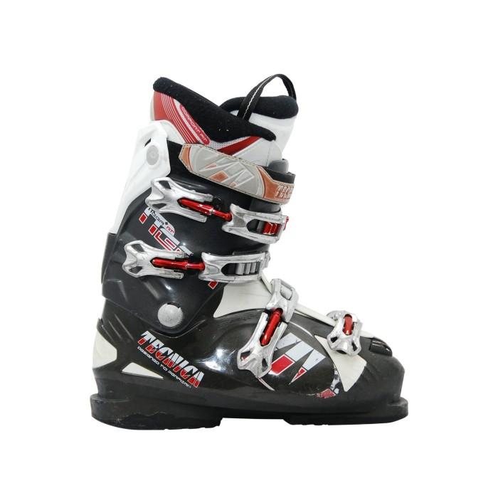 Tecnica mega RT usava scarponi da sci