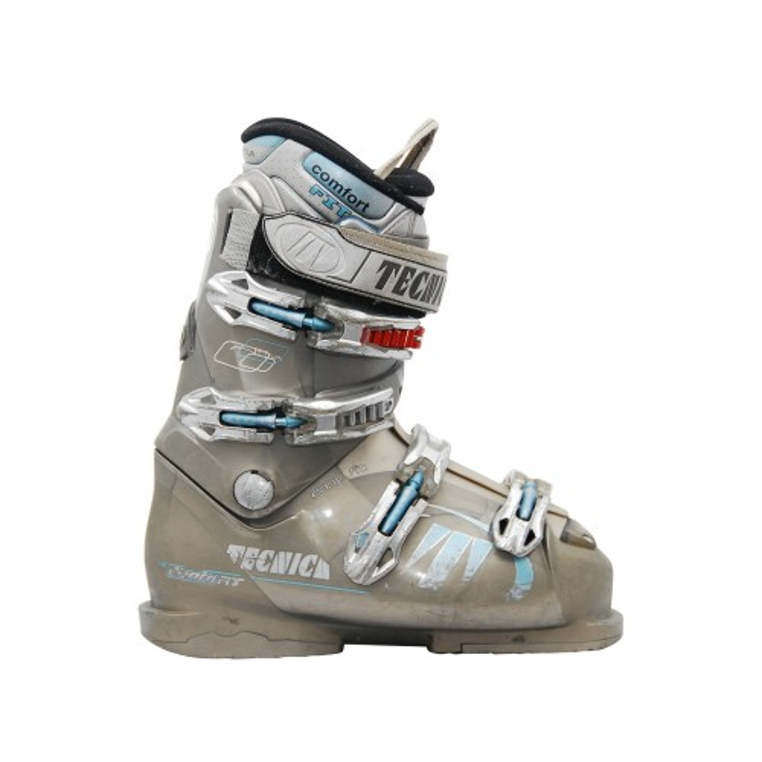 Tecnica modelo Attiva utilizado bota de esquí