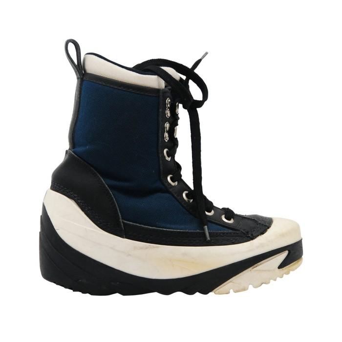 Boots used junior Oxygen Cobra blue